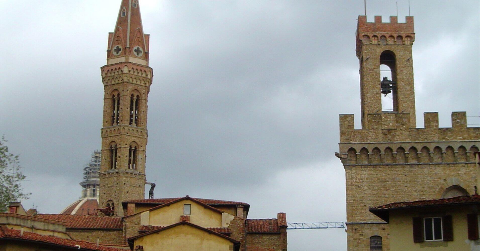 Abadía Fiorentina y Museo Bargello. Toscana, Italia.