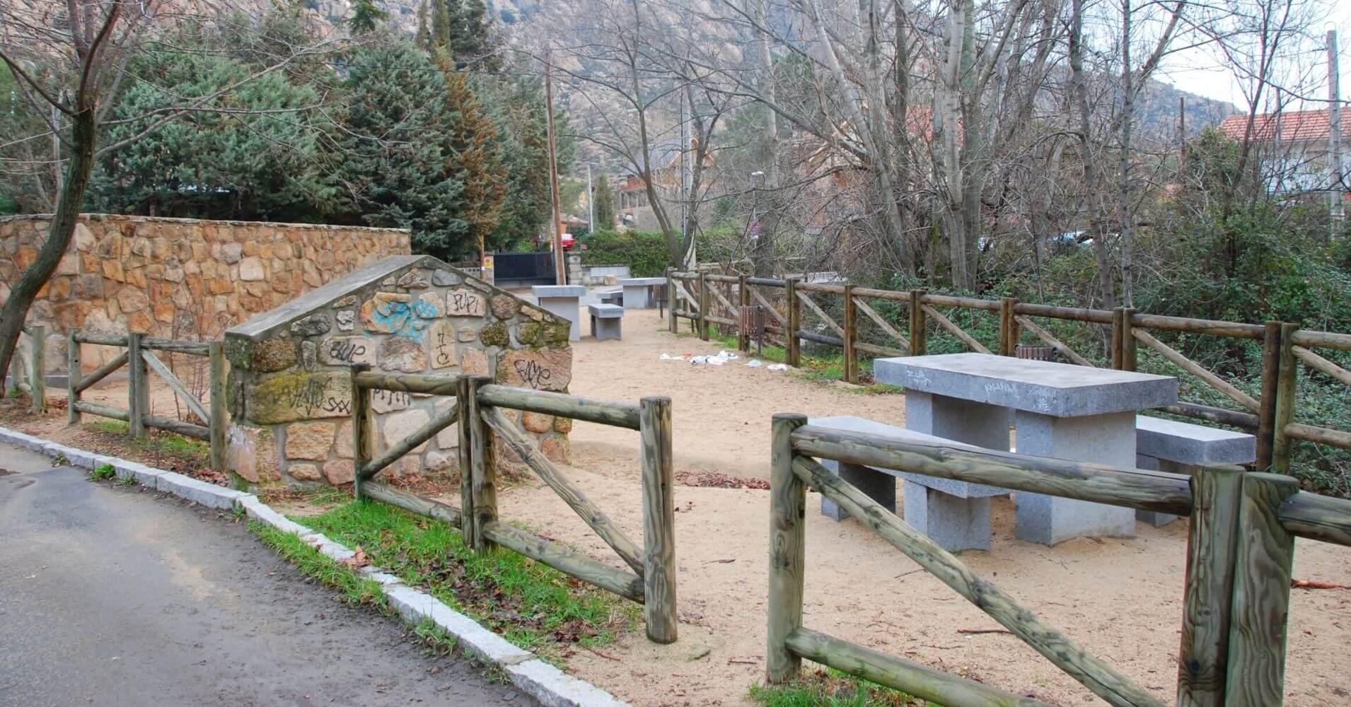 Área Recreativa de El Tranco. Manzanares el Real. Comunidad de Madrid.