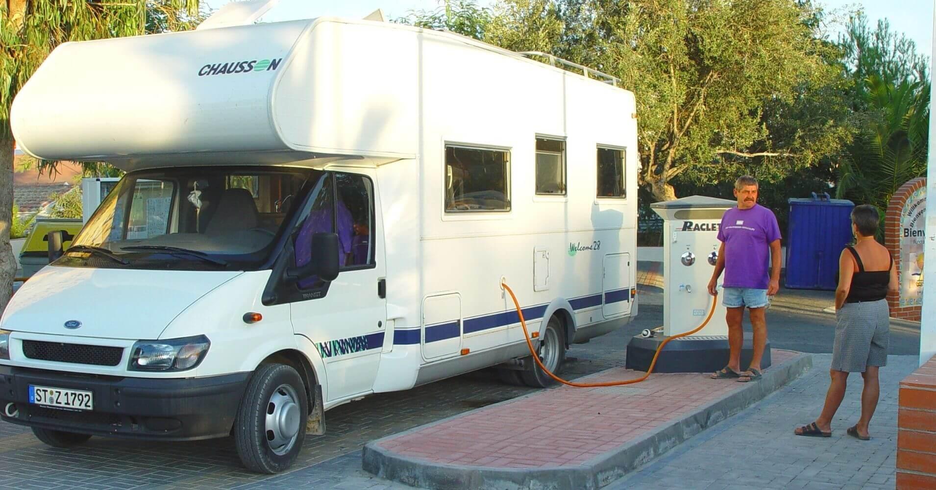 Autocaravana en la Guía Camping de Comunidad Valenciana. España.