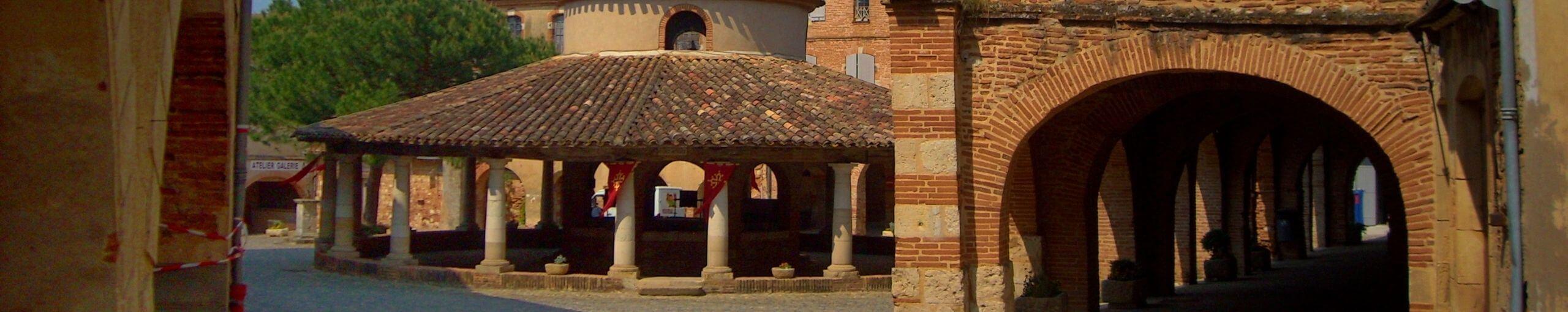 Auvillar a Orillas del Garona. Tarn y Garona, Occitania. Francia.