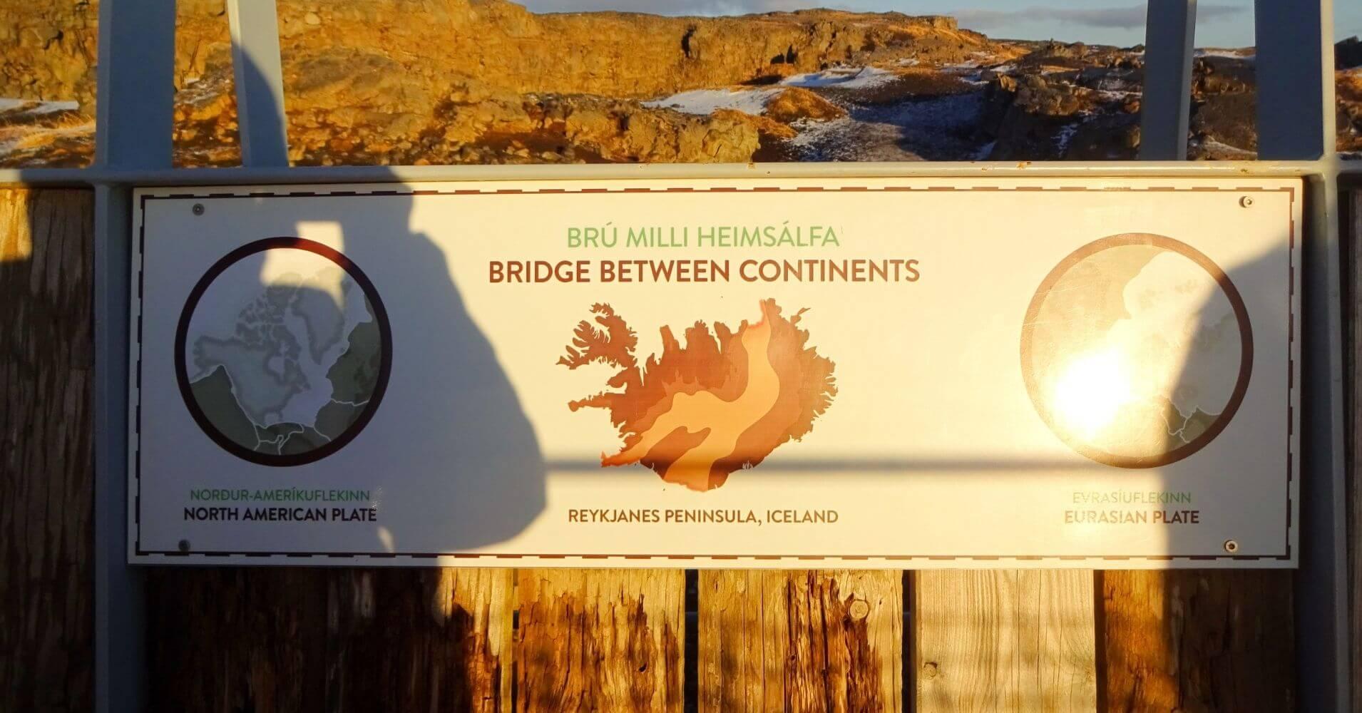 Brú Milli Heimsálfa. Área Geotermal de Gunnuhver. Puente entre continentes. Islandia.