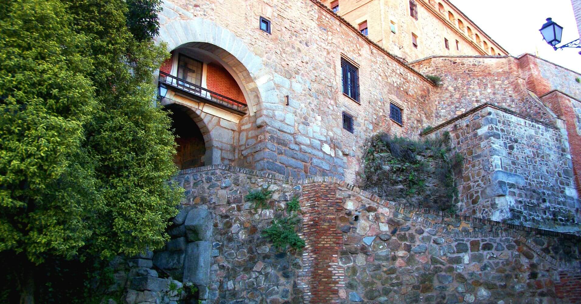Puerta de Valmardón. Toledo un Viaje en el Tiempo.