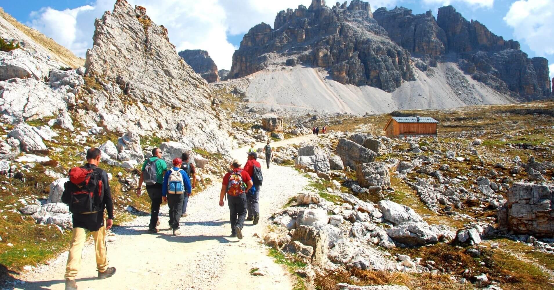 Camino al Refugio de Lavaredo. Alpes Dolomias. Tres Cimas de Lavaredo. Belluno, Véneto. Italia.