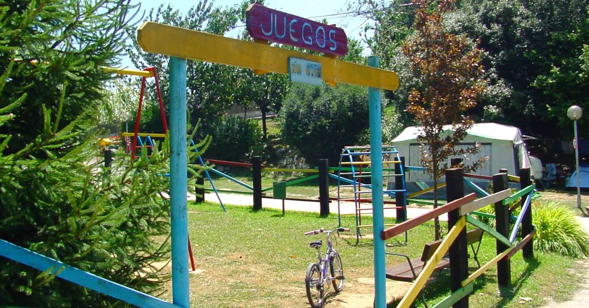 Camping Ribadesella, Zona de Juegos. Asturias.