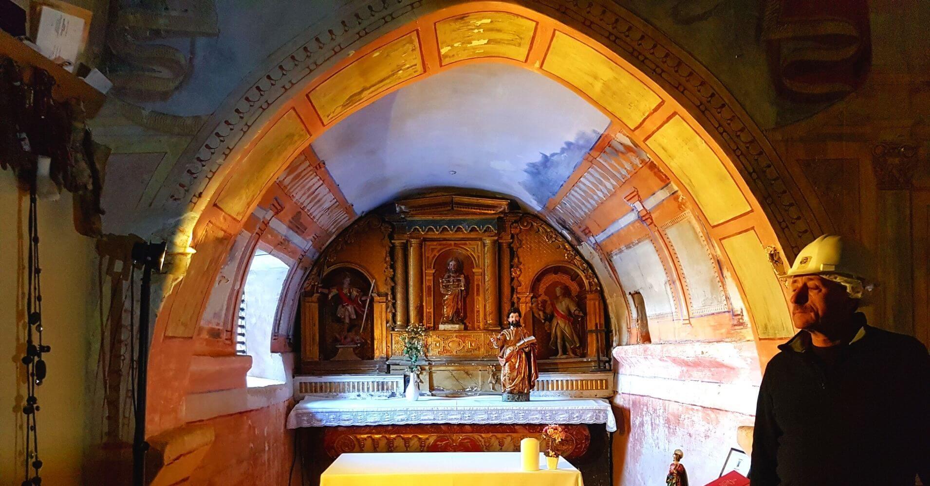 Capilla de la Cueva Ermita de San Bernabé y San Tirso. Las Merindades, Burgos.