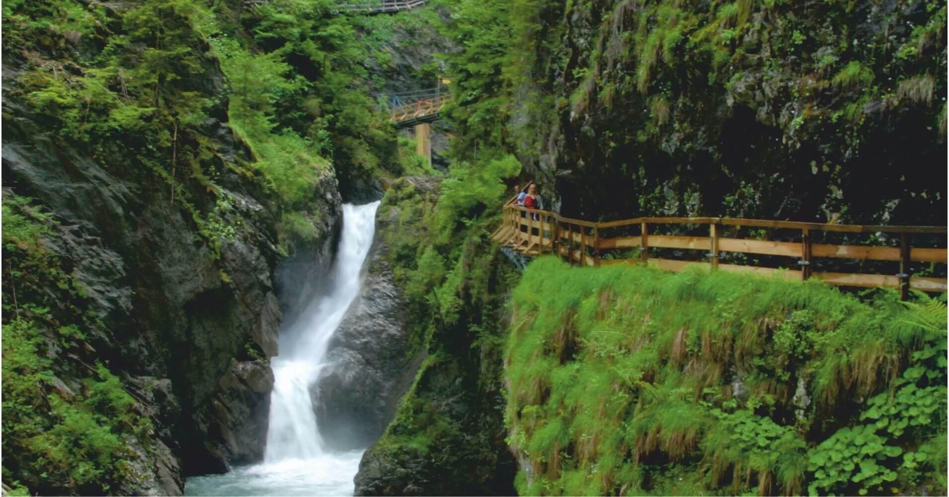 Cascada Gorges de la Diosaz. Alta Saboya, Auvernia-Ródano-Alpes. Francia.