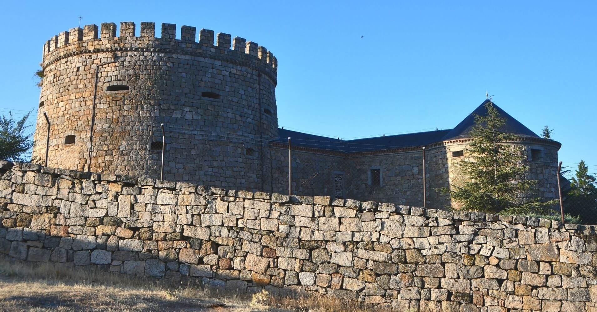 Castillo de Magalia en Las Navas del Marqués. Ávila, Castilla y León.
