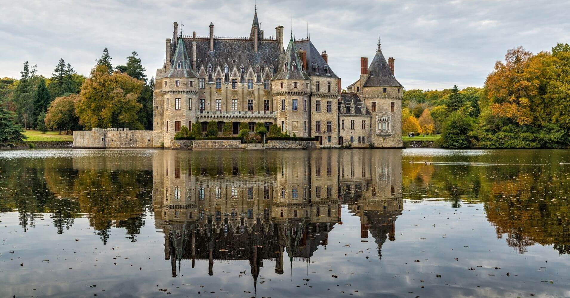 Castillo de Sully-Sur-Loire. Departamento de Loiret, Región Centro. Francia.