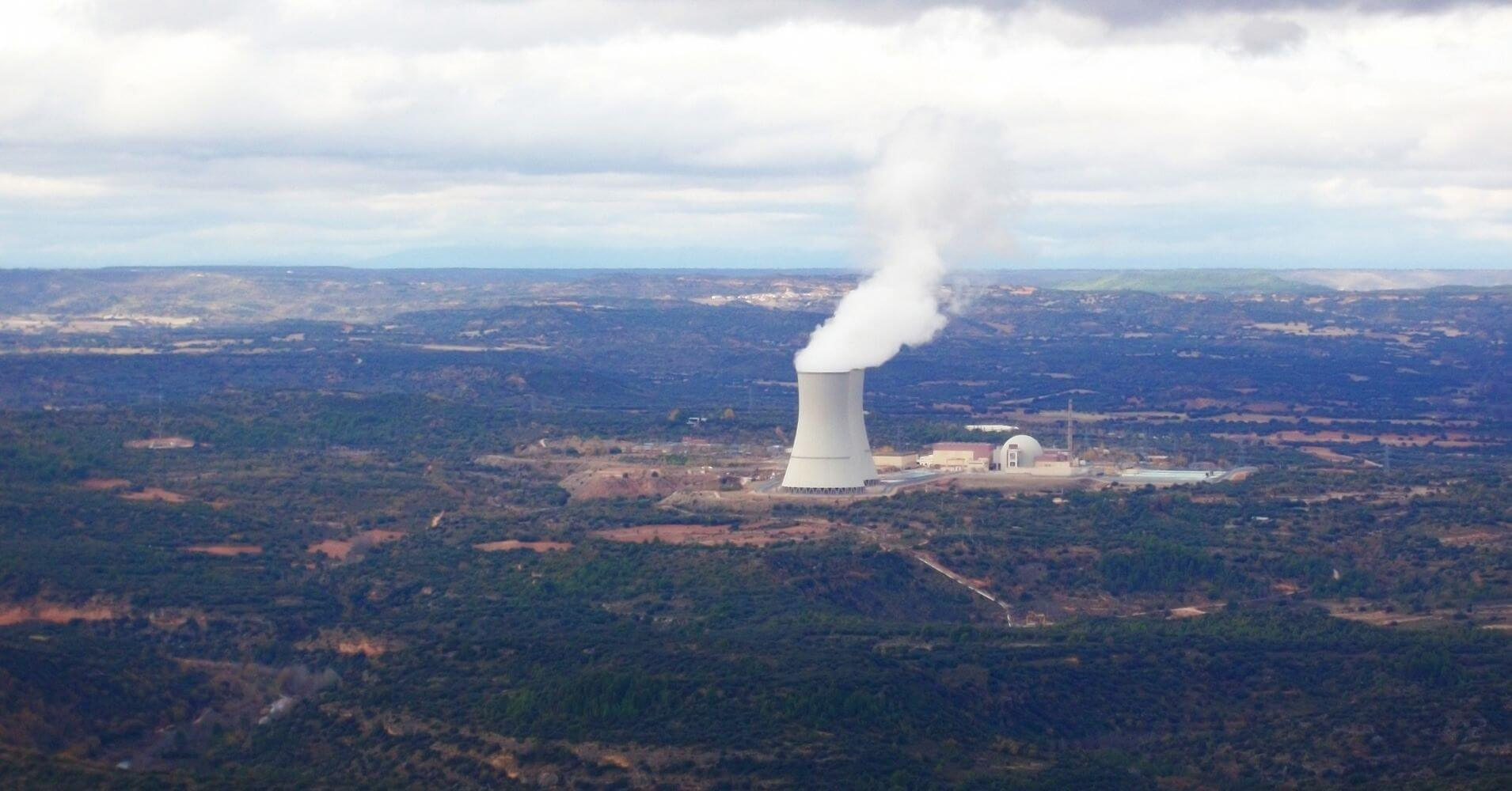 Central Nuclear de Trillo Vista desde La Cumbre. Guadalajara.