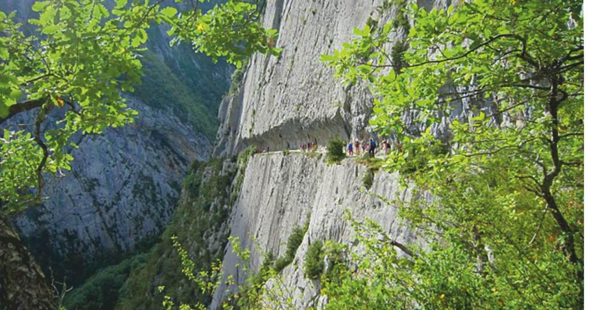 Chemin de la Mâture. Valle de Aspe. Etsaut. Pirineos Atlánticos. Nueva Aquitania en Francia.
