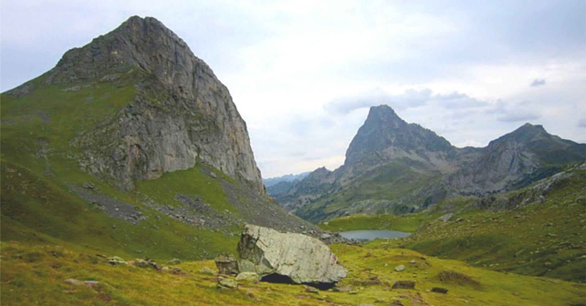 Col de Moines. Pico Midi d' Ossau. Parque Nacional Pirineos. Etsaut. Nueva Aquitania. Francia.