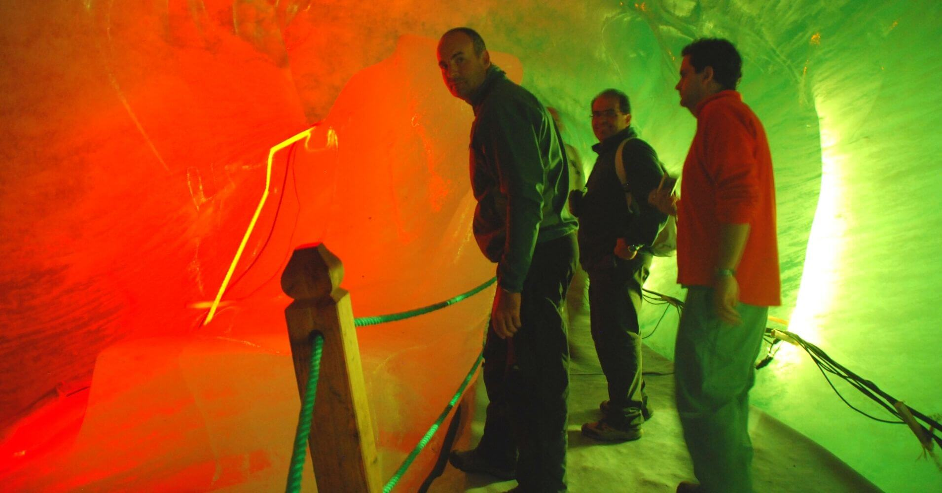 Cueva de Hielo del Mar de Glace. Chamonix, Alta Saboya. Auvernia-Ródano-Alpes. Francia.