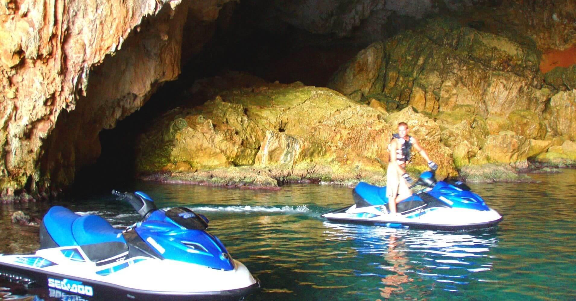 Cueva de los Órganos. Cuevas del Cabo de la Nao. Jávea, Alicante. Comunidad Valenciana.