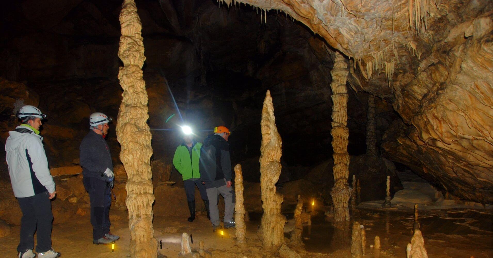Cueva de Palomera. Sistema Kárstico de Ojo Guareña. Sotos Cueva. Las Merindades. Burgos. Castilla y León.