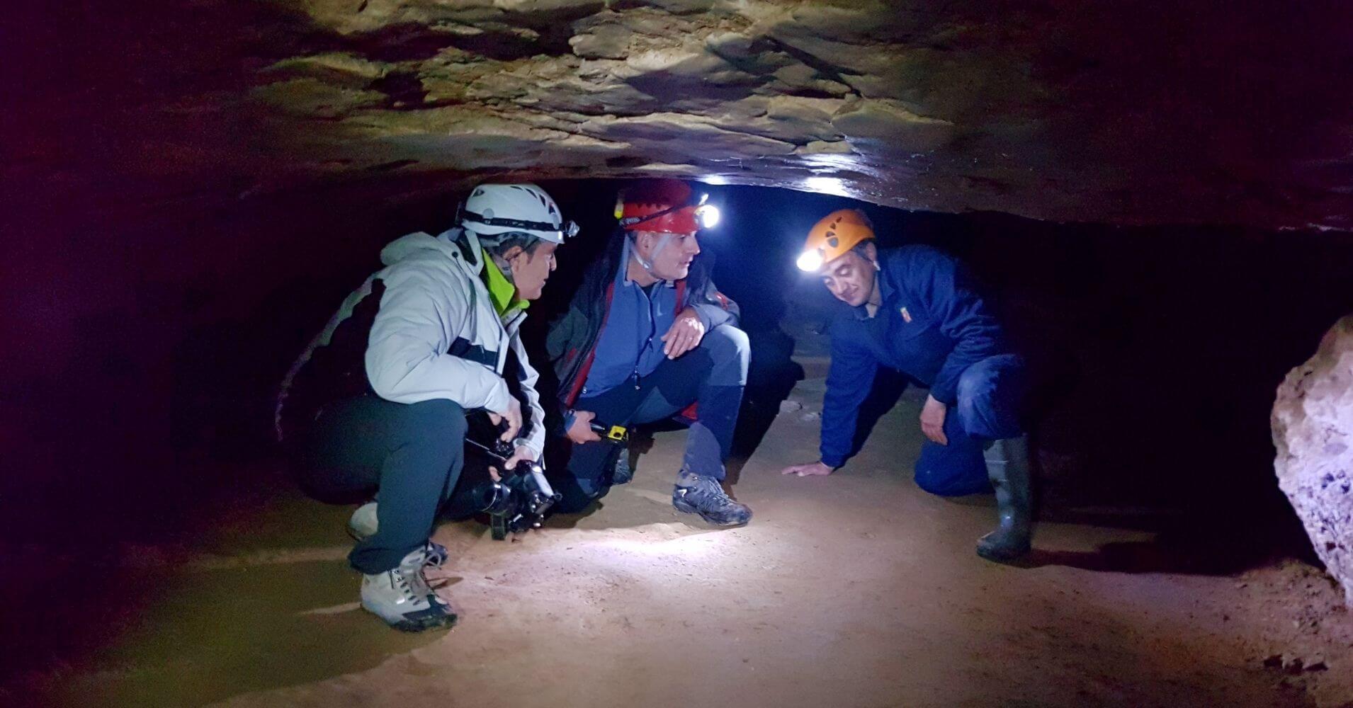Cuevas Turísticas y Espeleología de España. Cueva de Palomera. Sotos Cueva. Las Merindades. Burgos, España.