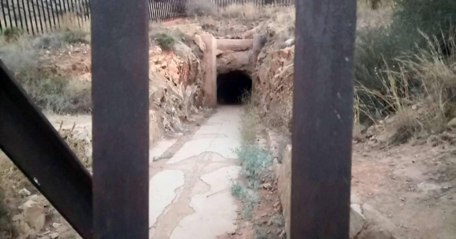 Cueva del Agua. Paisaje Protegido de Cabezo Gordo. Torre Pacheco, Murcia.
