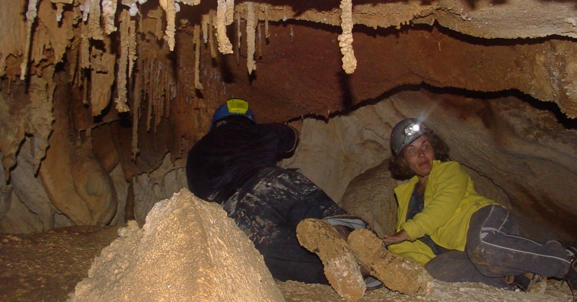 Cueva del Escalón. Valle de Asón. Cantabria. España.