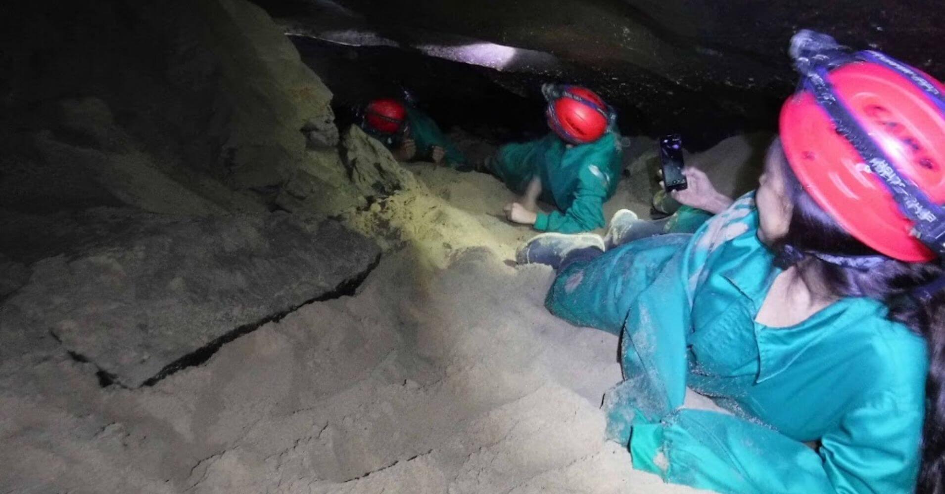 Espeleología en Cueva del Tío Manolo. Uña, Serranía de Cuenca. Castilla la Mancha, España.