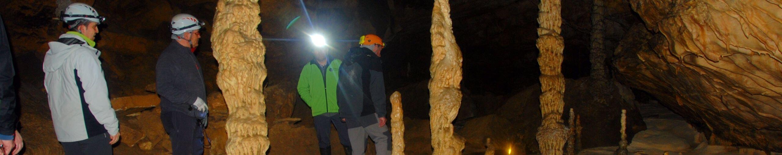Cueva Palomera. Las Merindades, Burgos. Castilla y León.