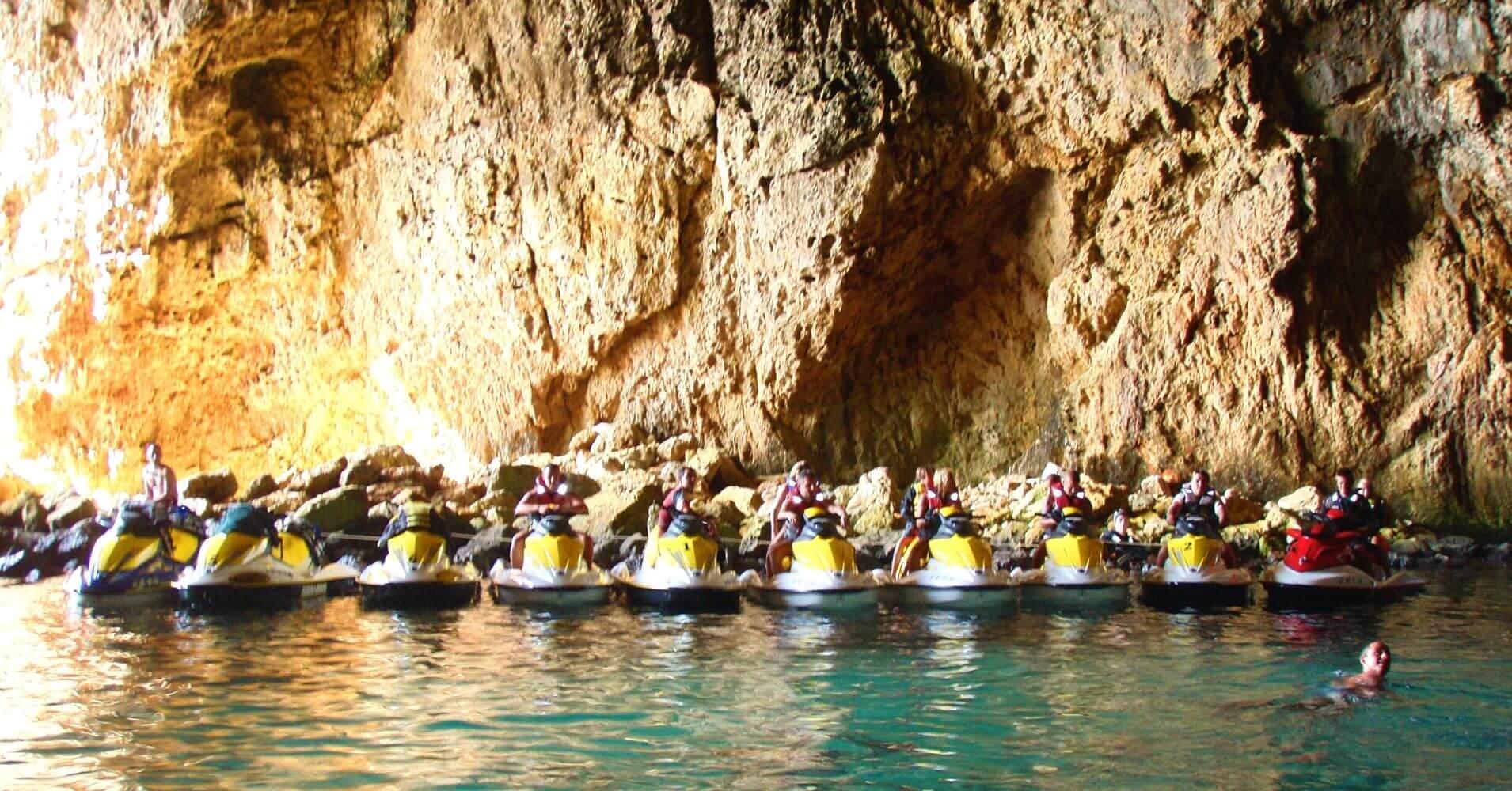 Cuevas del Cabo de la Nao en Alicante. Jávea. Comunidad Valenciana.