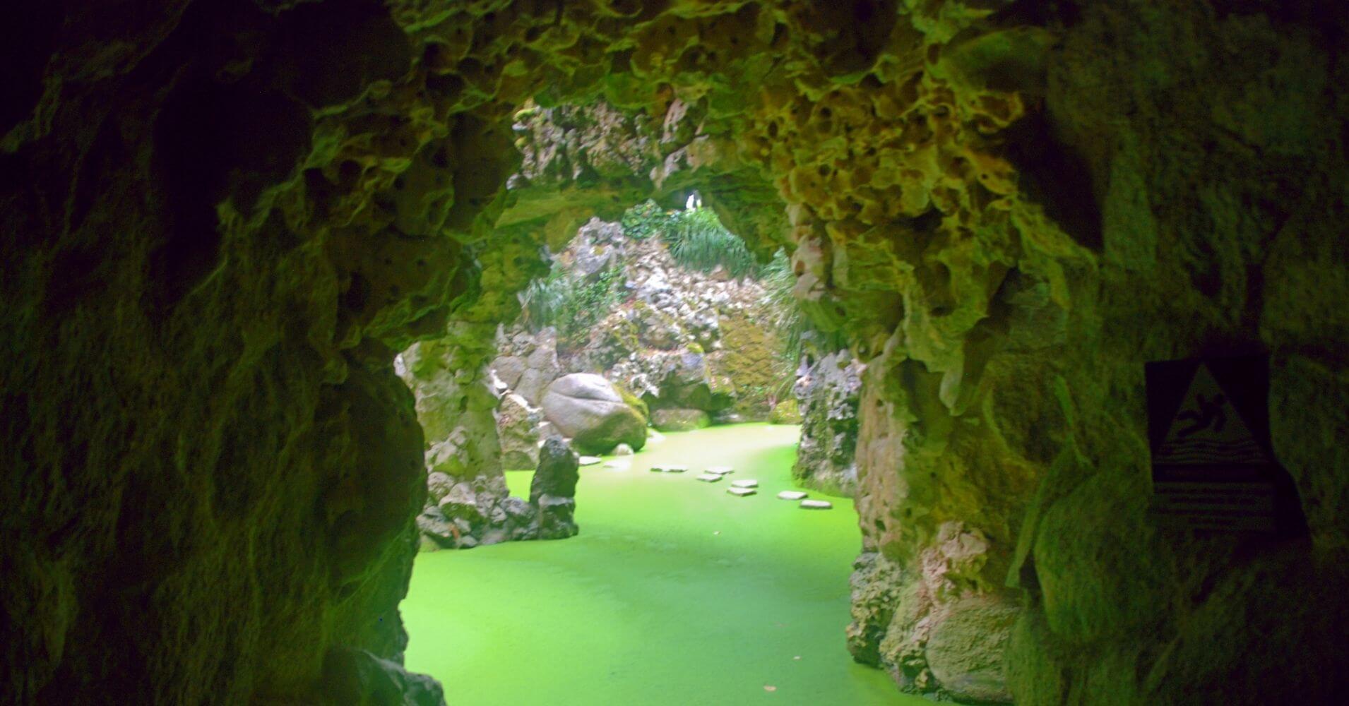 Gruta Leda, Cuevas y Pasadizos Secretos de La Quinta da Regaleira. Sintra, Portugal.