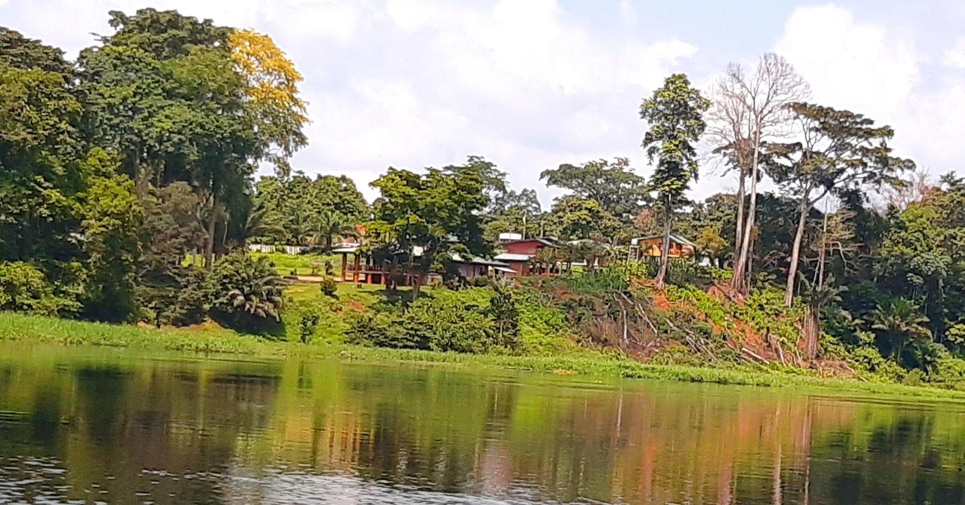 Poblado del Centro Turístico. Camerún.