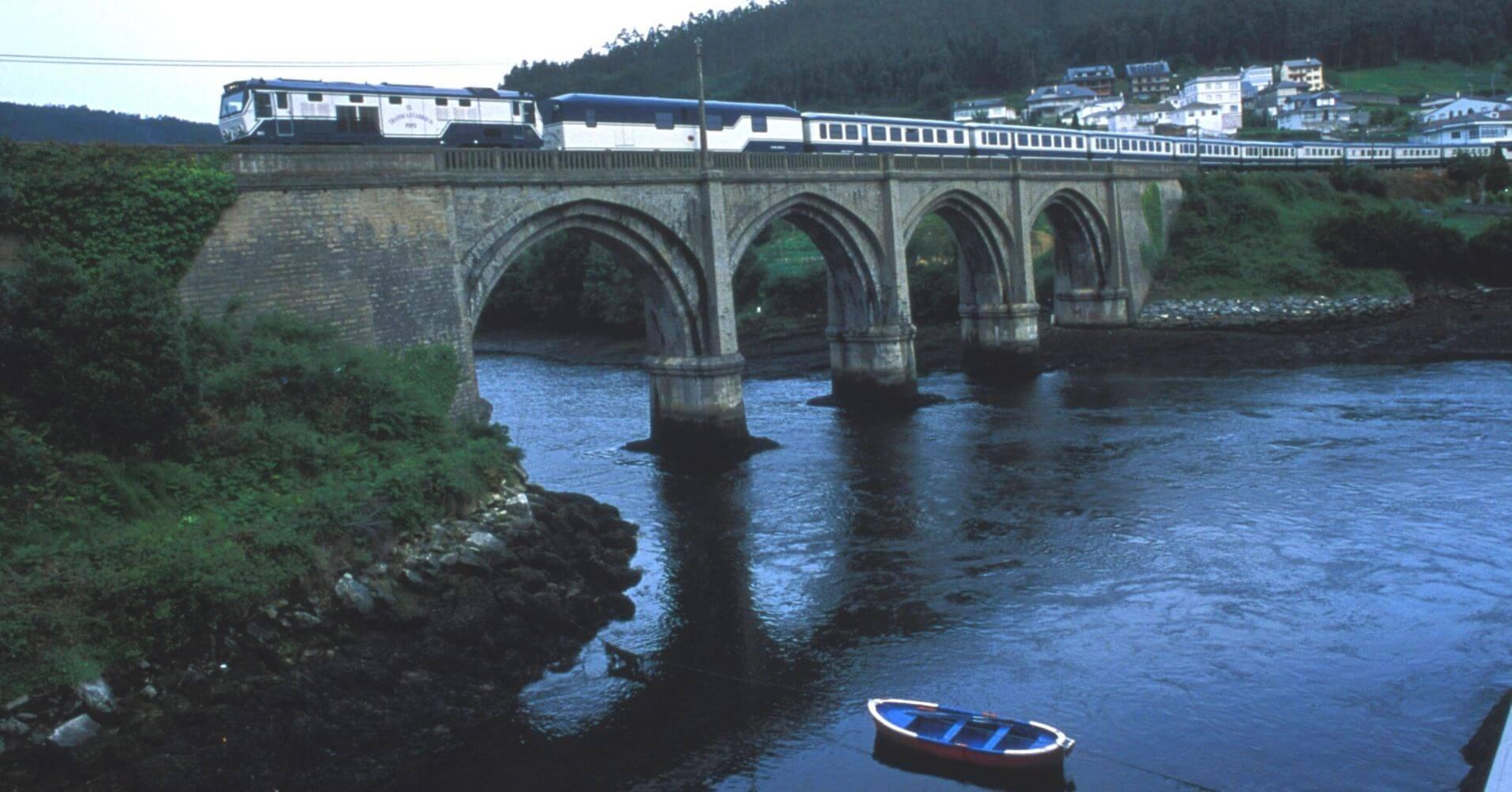 El Transcantábrico. El Tren Turístico del Norte de España.