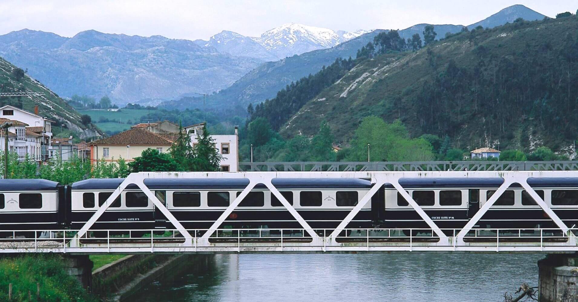 El Transcantabrico. Tren de Lujo Turístico del Norte de España.