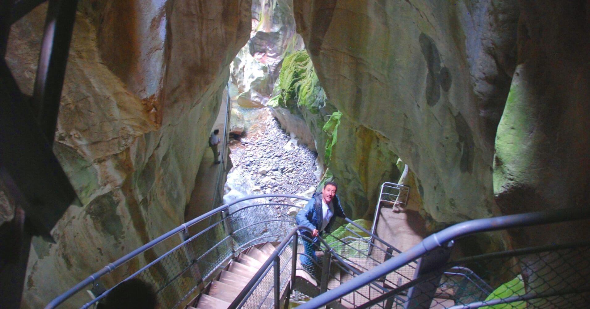 Escaleras de las Gorges du Pont du Diable. La Vernaz. Alta Saboya. Auvernia-Ródano-Alpes.