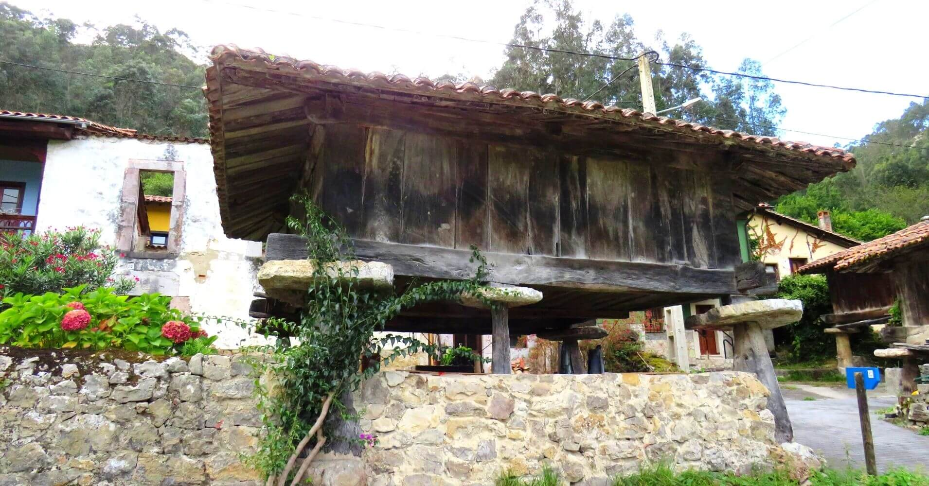 Hórreo de Cuevas del Agua. Escapada a Asturias.