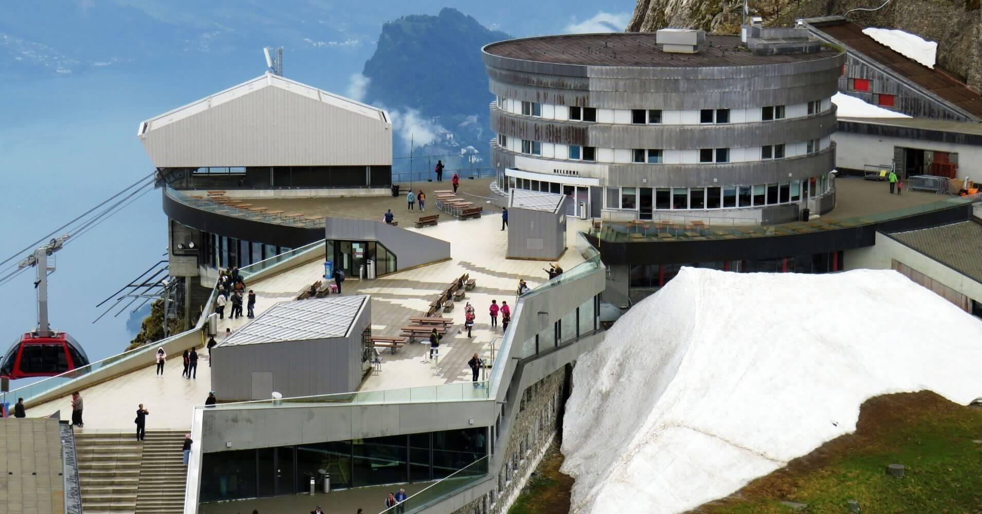 Estación Alta en el Monte Pilatus. Suiza.