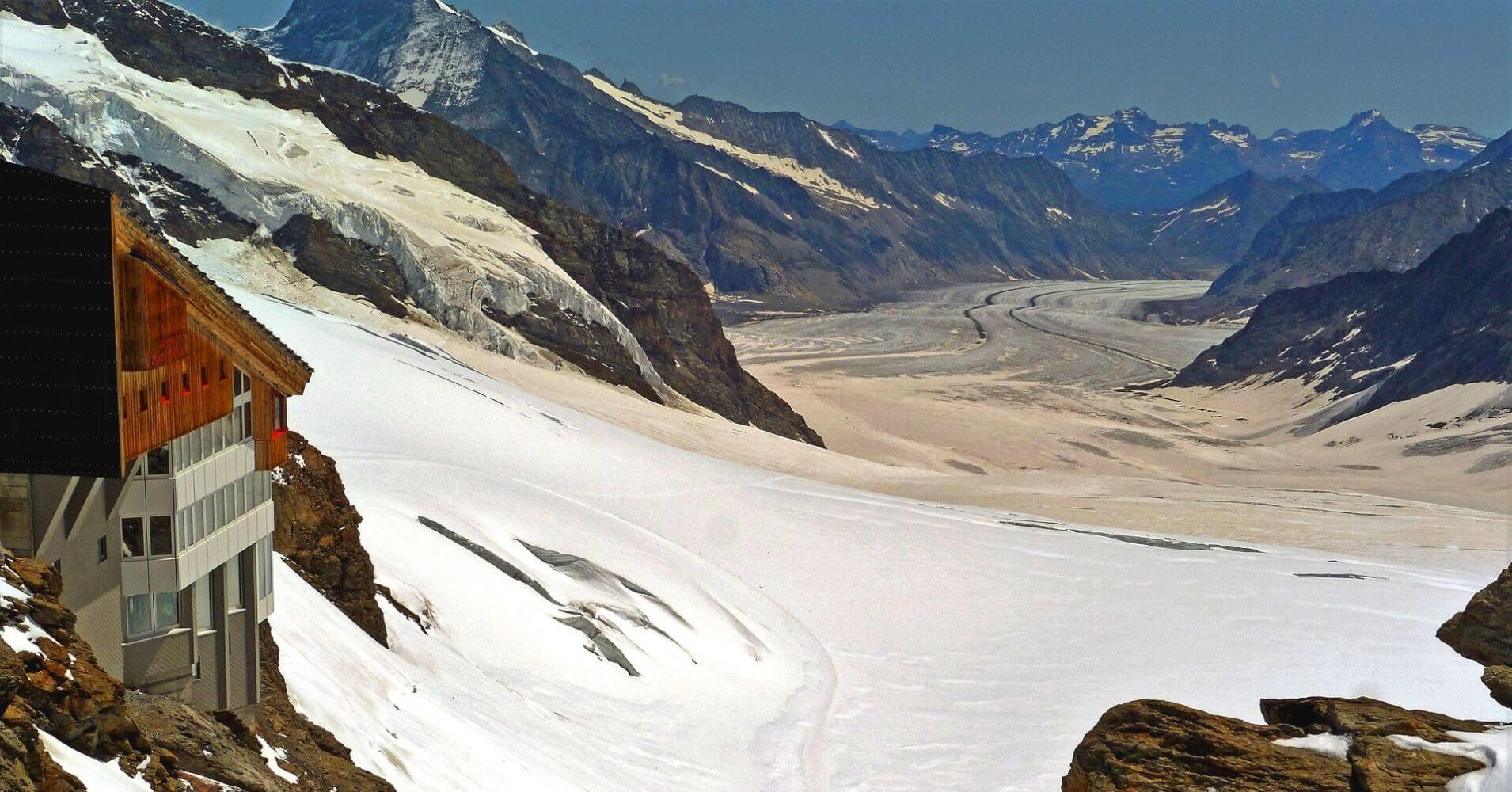 Estación del Jungfraujoch. Alpes Berneses y Glaciar de Aletsch. Suiza.