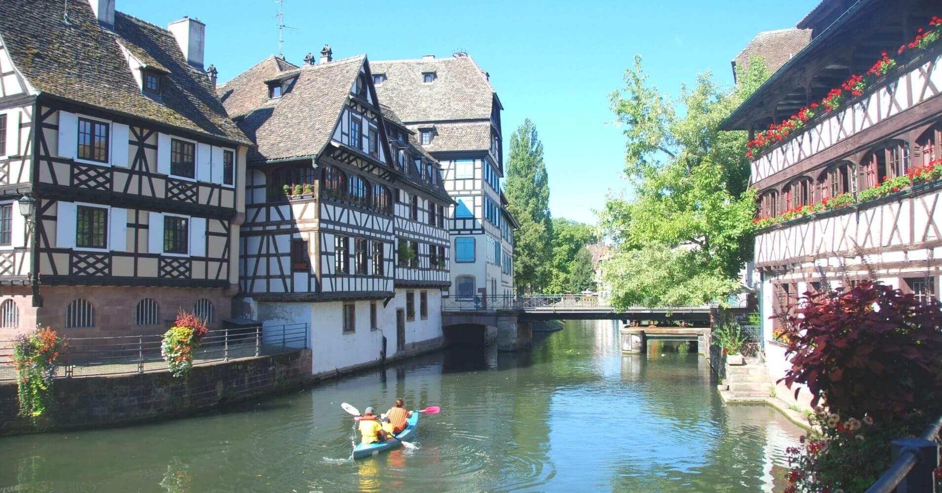 Canales de la Capital de Alsacia. Bajo Rin. Gran Este. Francia.