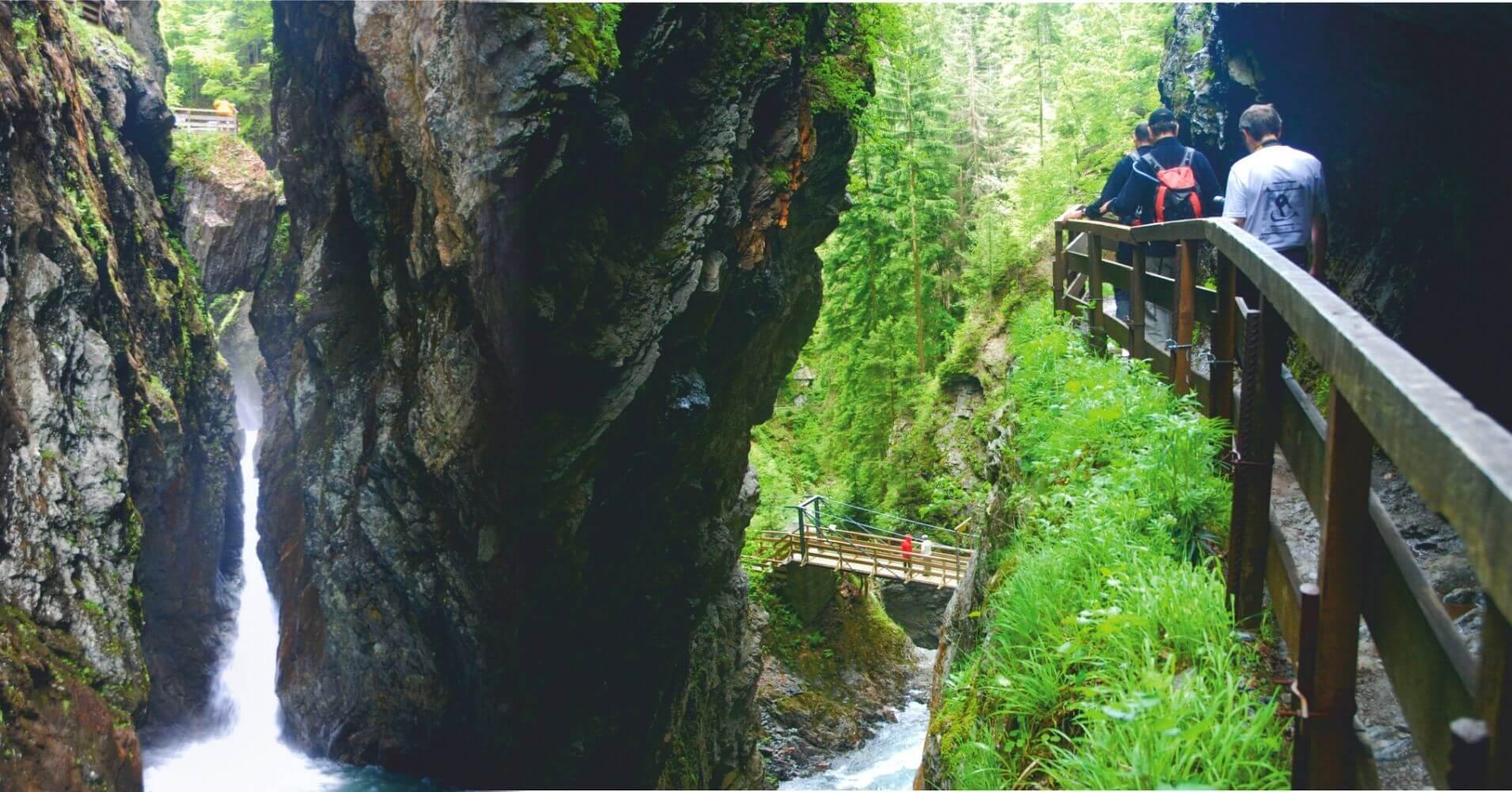 Puente Natural de la Garganta, Alta Saboya. Auvernia-Ródano-Alpes. Francia.