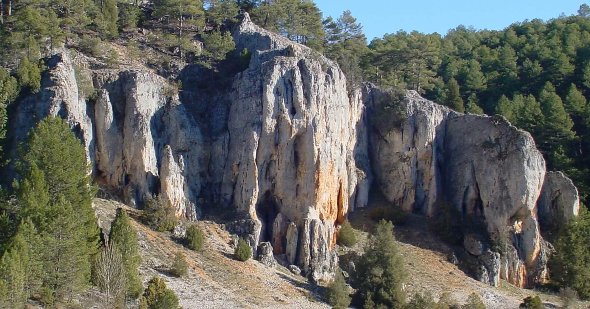 Puente de los Siete Ojos, Farallones y Roquedos. Soria.