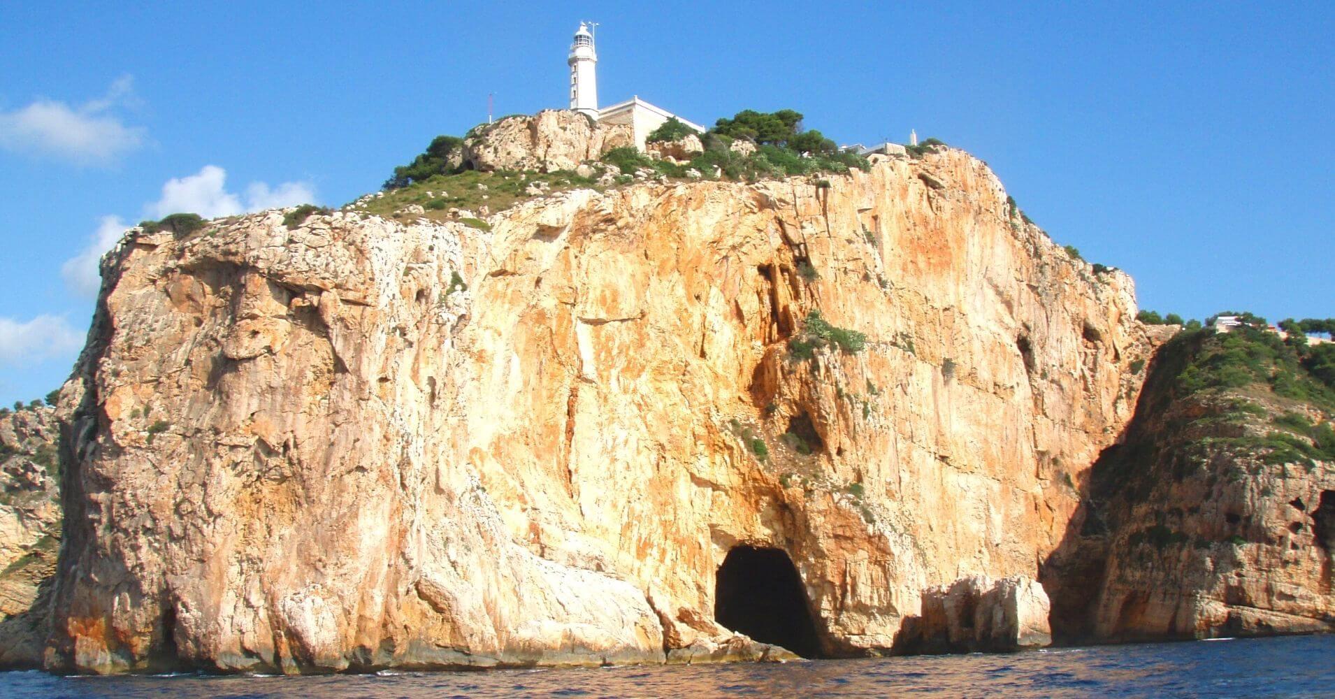 Faro y Cuevas del Cabo de La Nao. Jávea. Alicante, Comunidad Valenciana.