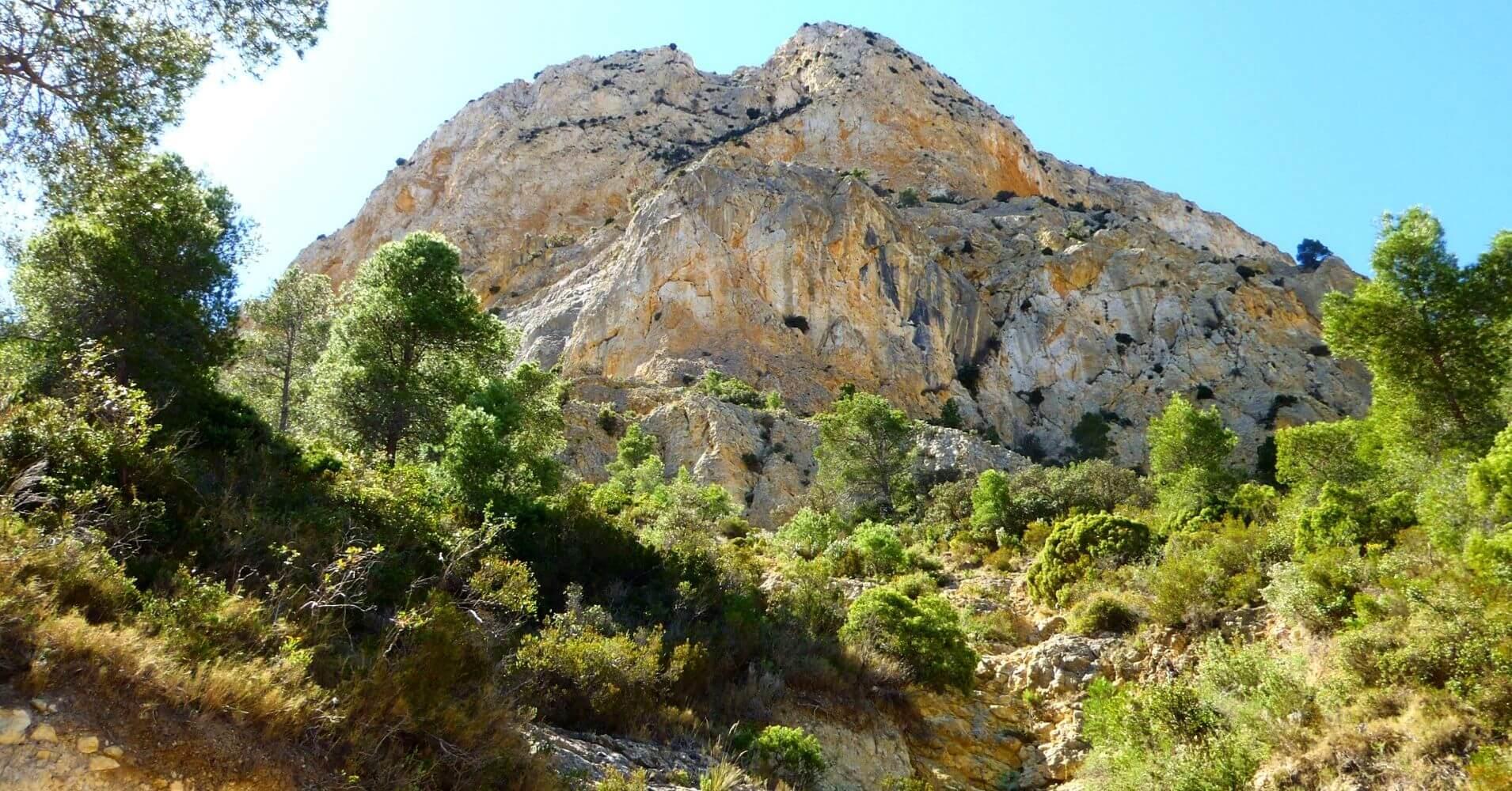 Vía Ferrata Norte del Cid. Petrer. Alicante. Comunidad Valenciana.