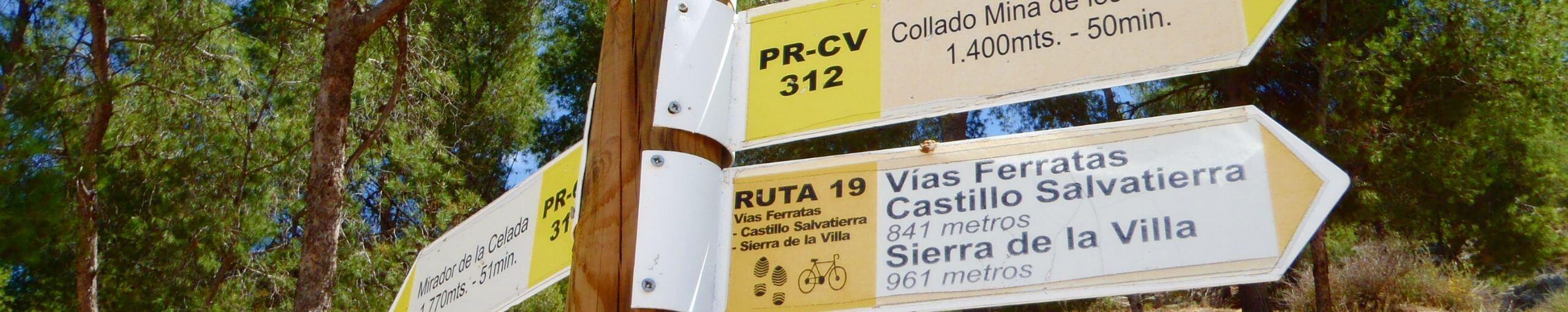 Ferrata Sierra de la Villa. Villena, Alicante. Comunidad Valenciana.