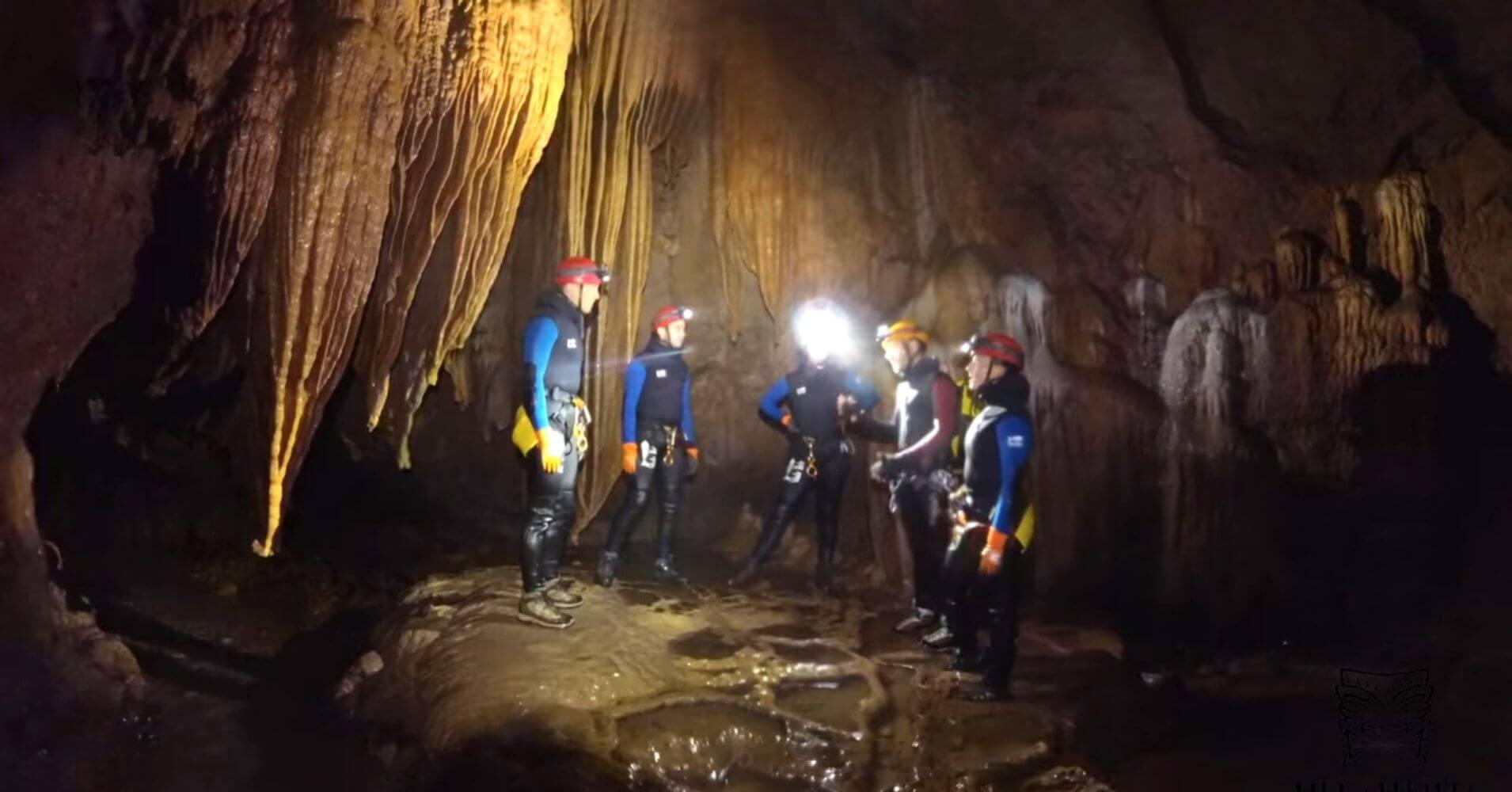 Formaciones Espeleobarranquismo Cueva de Valoporquero. Vegacervera, León. Castilla y León.