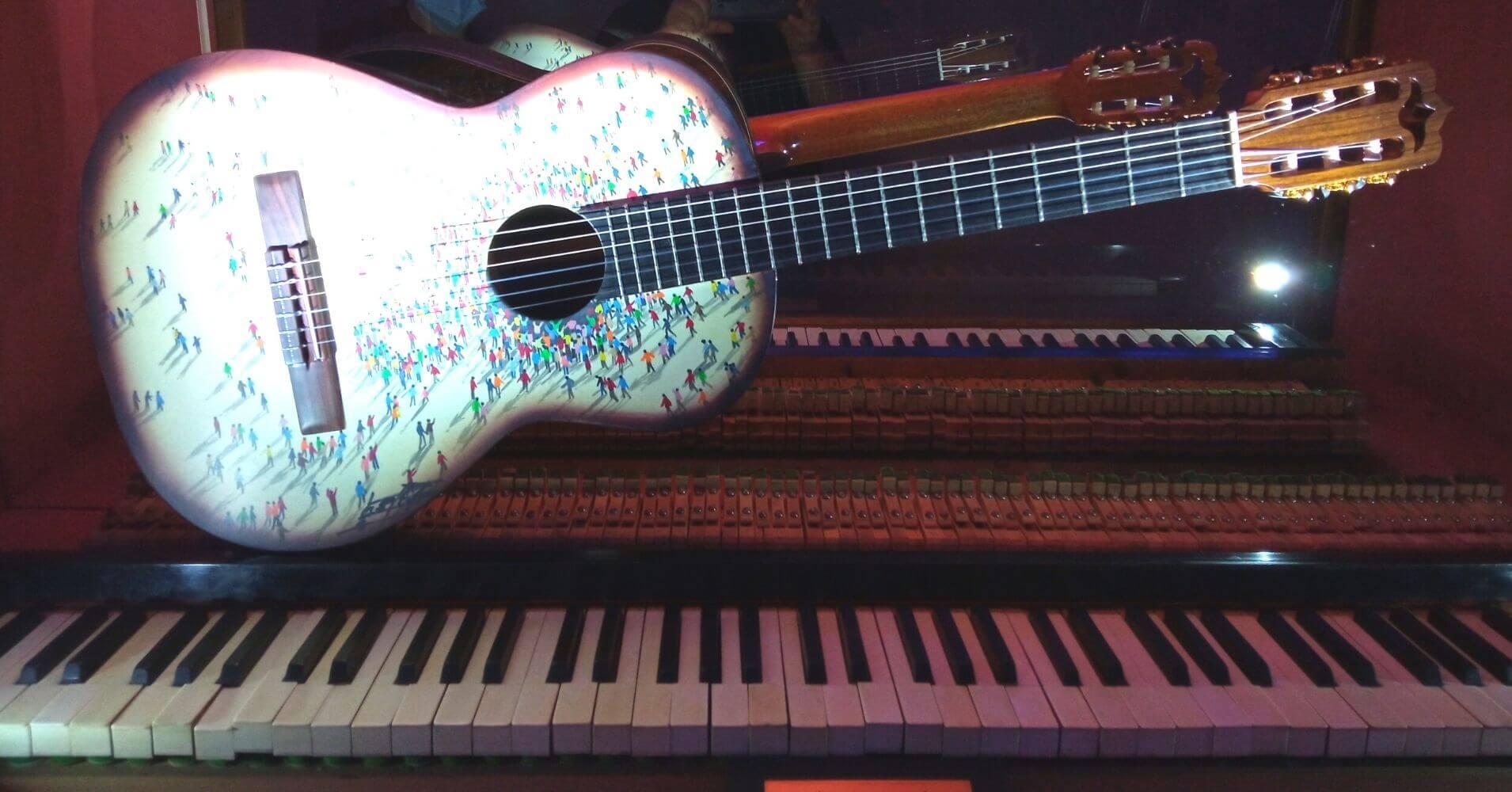 Guitarra Diminutos y Piano. Museo Cromática Toledo.