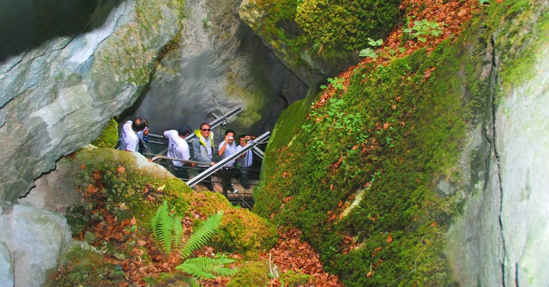Inicio Bajada a las Gorges du Pont du Diable. La Vernaz. Alta Saboya. Auvernia-Ródano-Alpes.