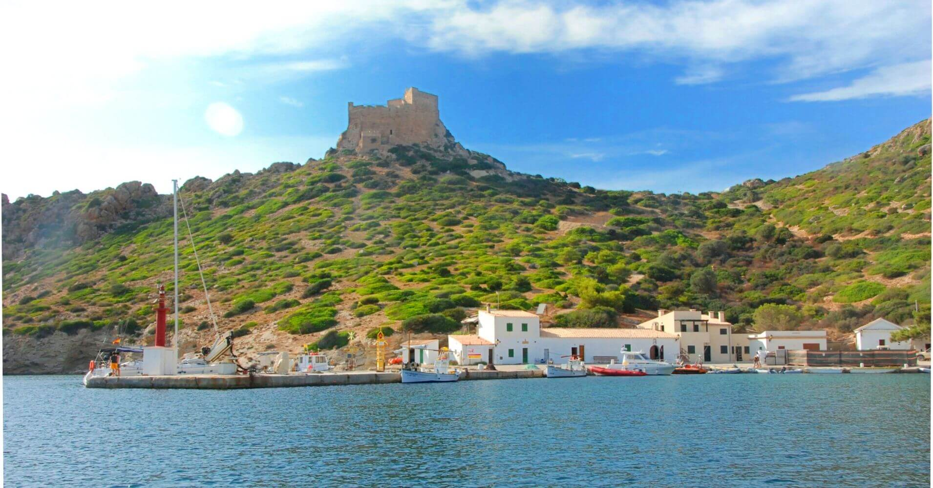 Isla de la Cabrera y Castillo de Cabrera.