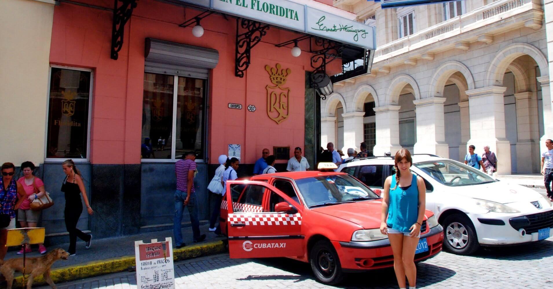 Entrada de La Floridita en La Habana, Cuba.