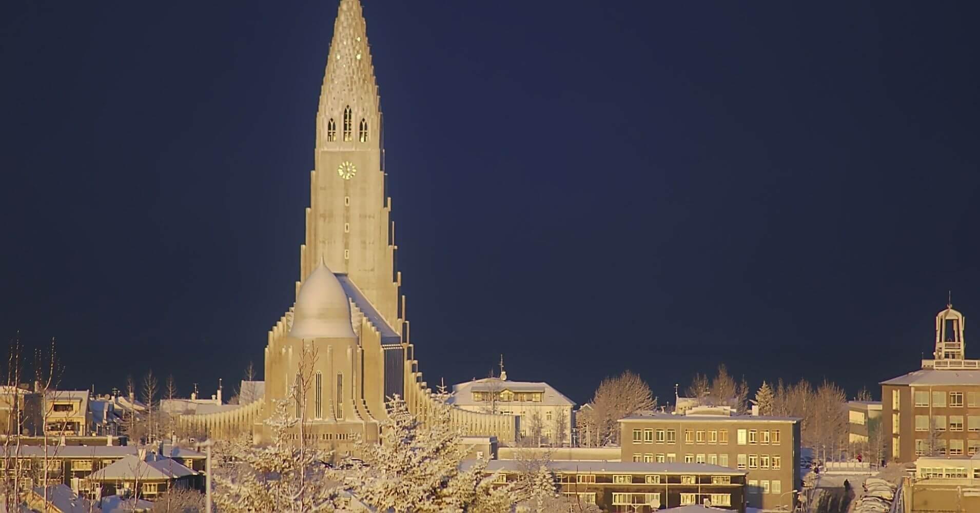 La Hallgrímskirkja, Catedral de Reyjkiavík en Islandia.