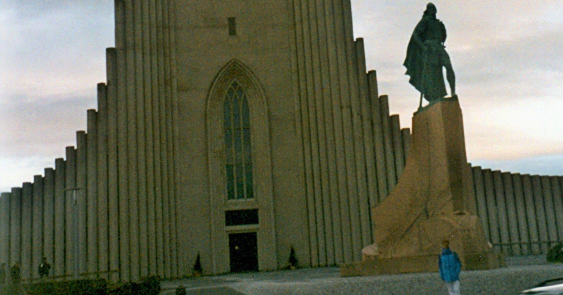 La Hallgrímskirkja, Catedral de Reyjkiavík. Islandia.