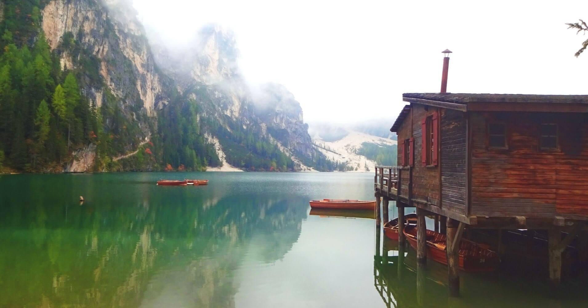 Lago di Braies. Alpes Dolomitas. Bolzano. Trentino Alto Adigio. Italia.
