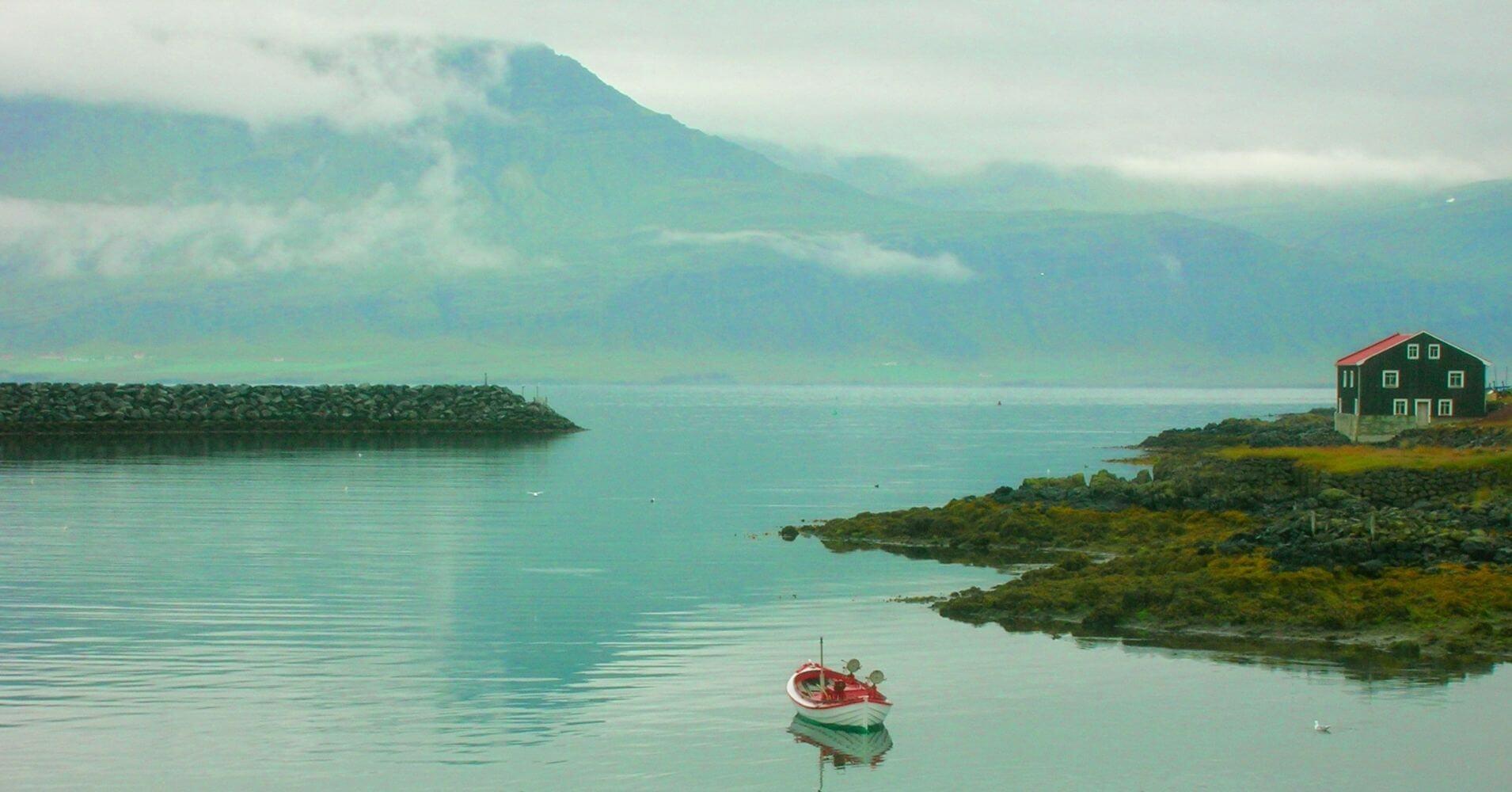 Lago Lögurinn del País islandés.