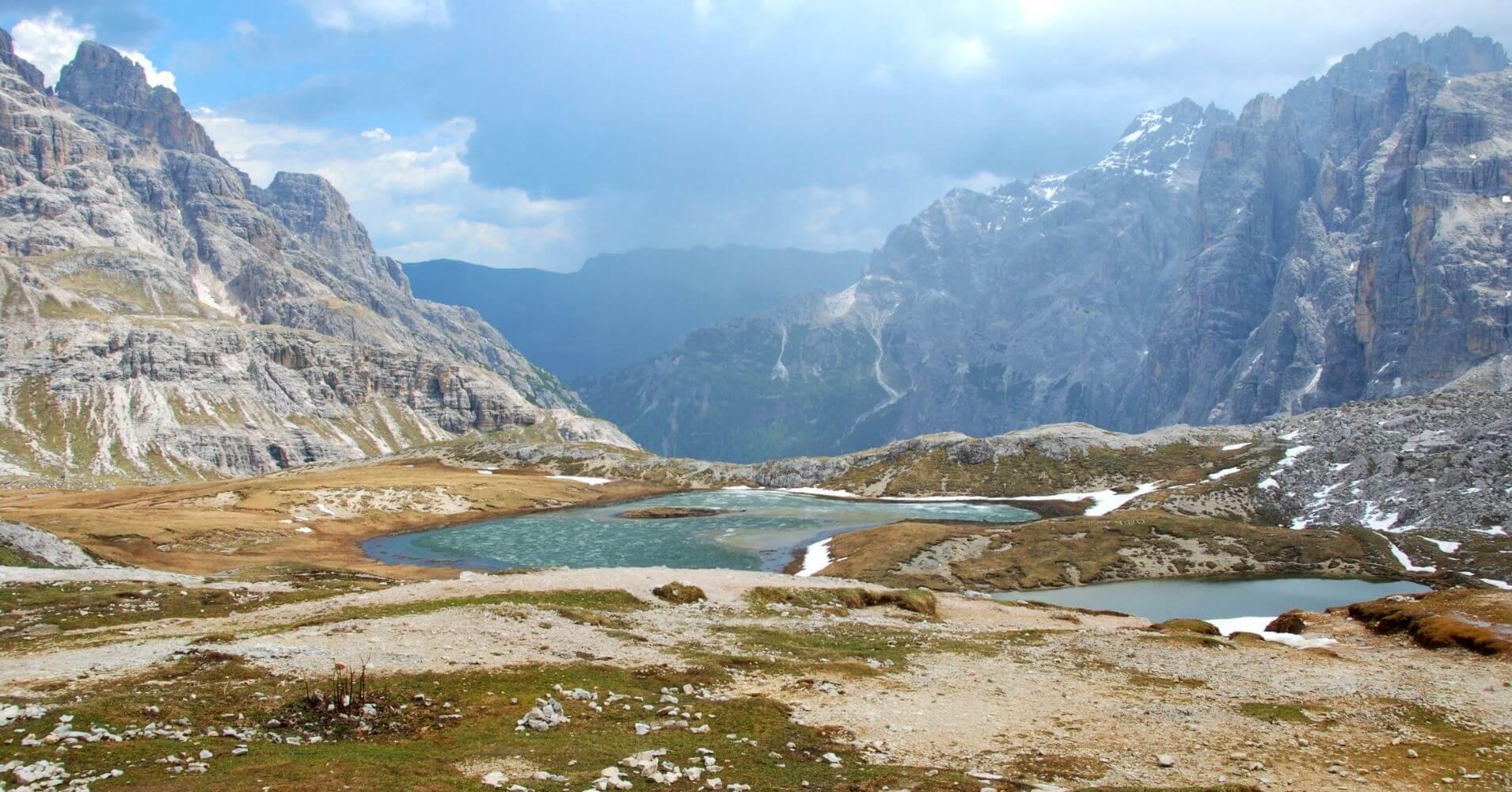 Lagos de piani. Alpes Dolomitas. Belluno, Véneto. Italia.