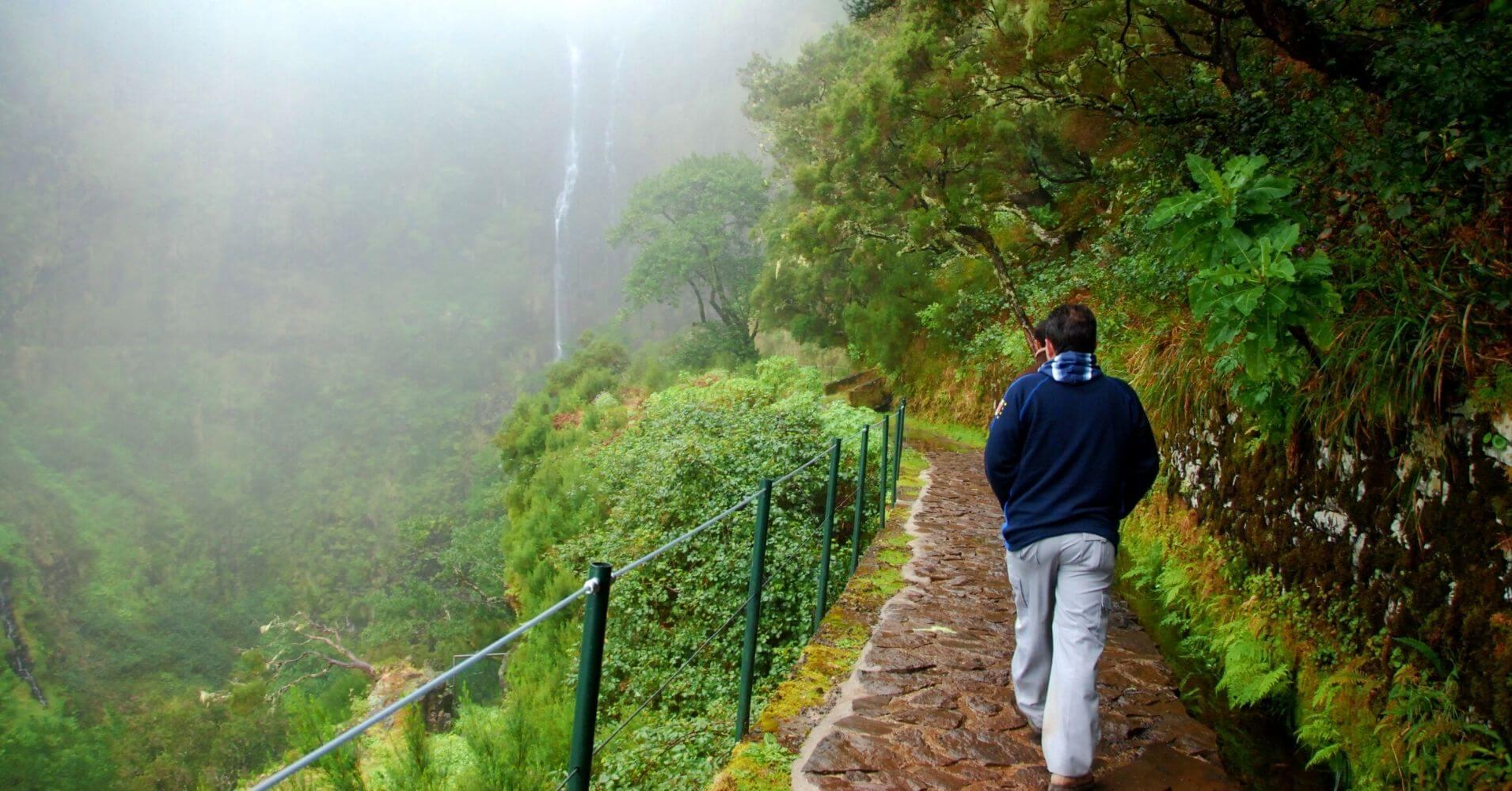 Levada en la Cascada do Risco. Isla de Madeira. Portugal.