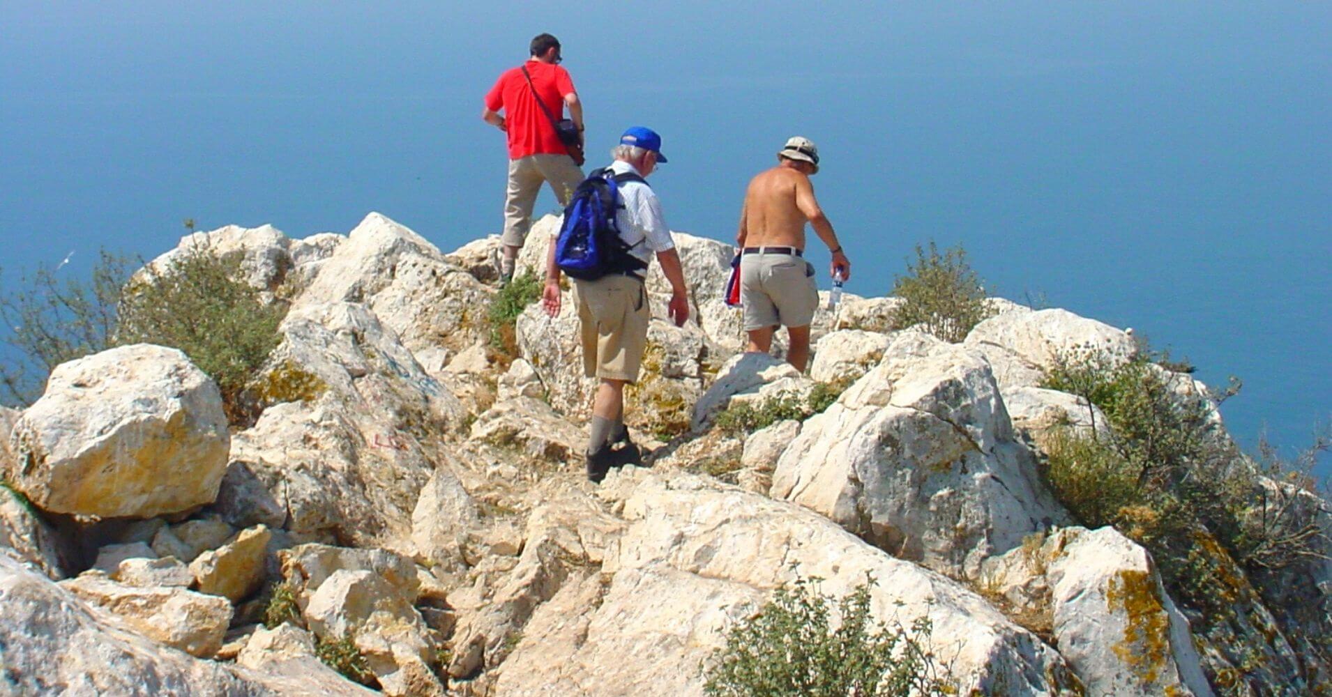Llegando a la Cumbre del Peñón en Calpe. Alicante, Comunidad Valenciana.